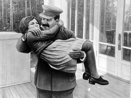 где познакомились сталин и аллилуева
