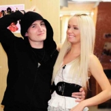 Влад Кадони с девушкой фото