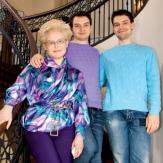 Елена Малышева с сыновьями фото