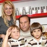 Яна Рудковская с первым мужем и детьми фото