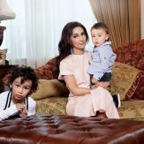 Зарифа - счастливая мать двоих детей