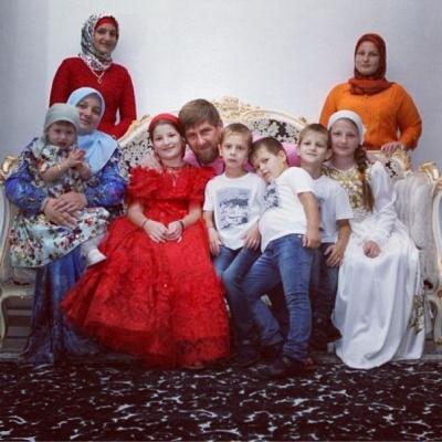 семья фото рамзана кадырова