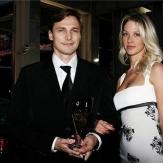 Федоров с моделью Кариной